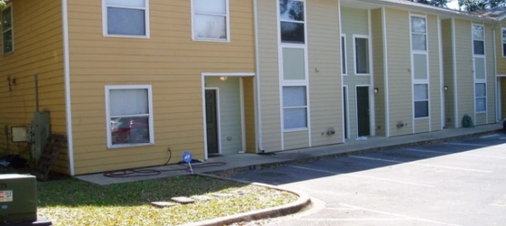 FSU Housing Lone Oak Condominiums for Florida State University Students in Tallahassee, FL