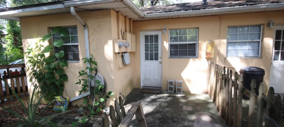 Housing Near American Institute of Beauty Charming Magnolia Park Duplex - 1 bed / 1 bath with DEN!