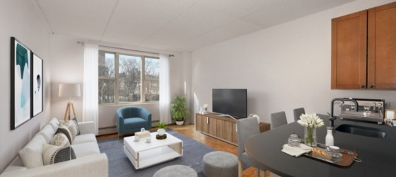 New York Housing TRIBECA'S HOTTEST AREA! Super Spacious 1 Bed Avail Now at Saranac. Landscaped Roof Deck, Drmn, Free Fitness, Garage. NO FEE! for New York Students in New York, NY